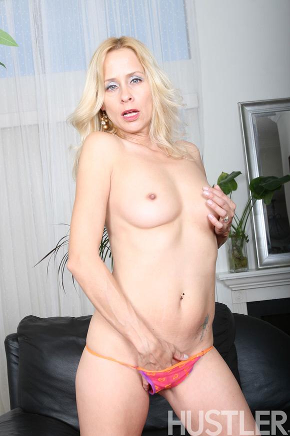 peyton-leigh-naked-barely-legal-girl
